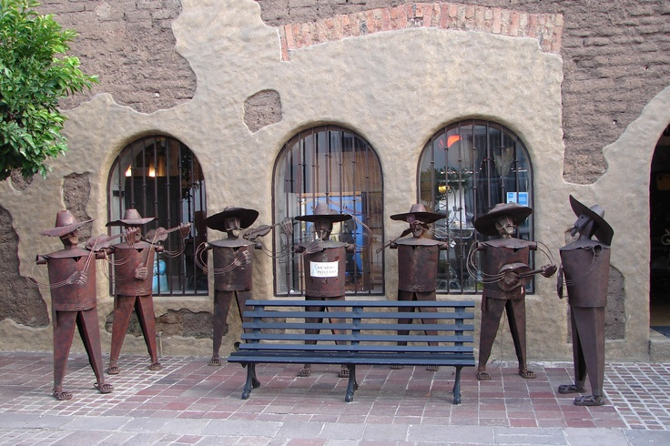 14. Plaza de los mariachis