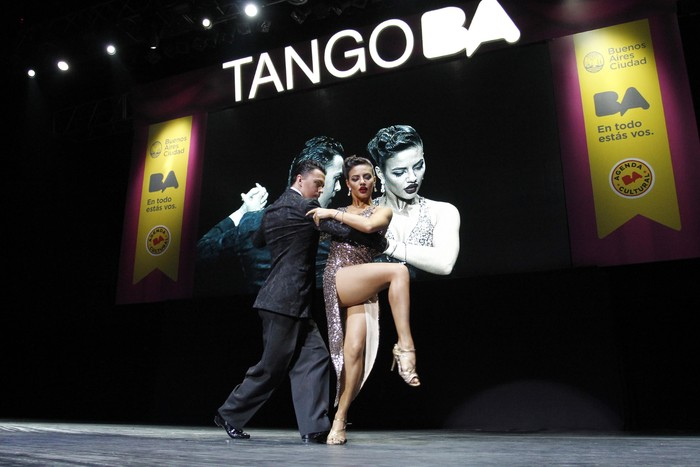 15. ¡A bailar tango!