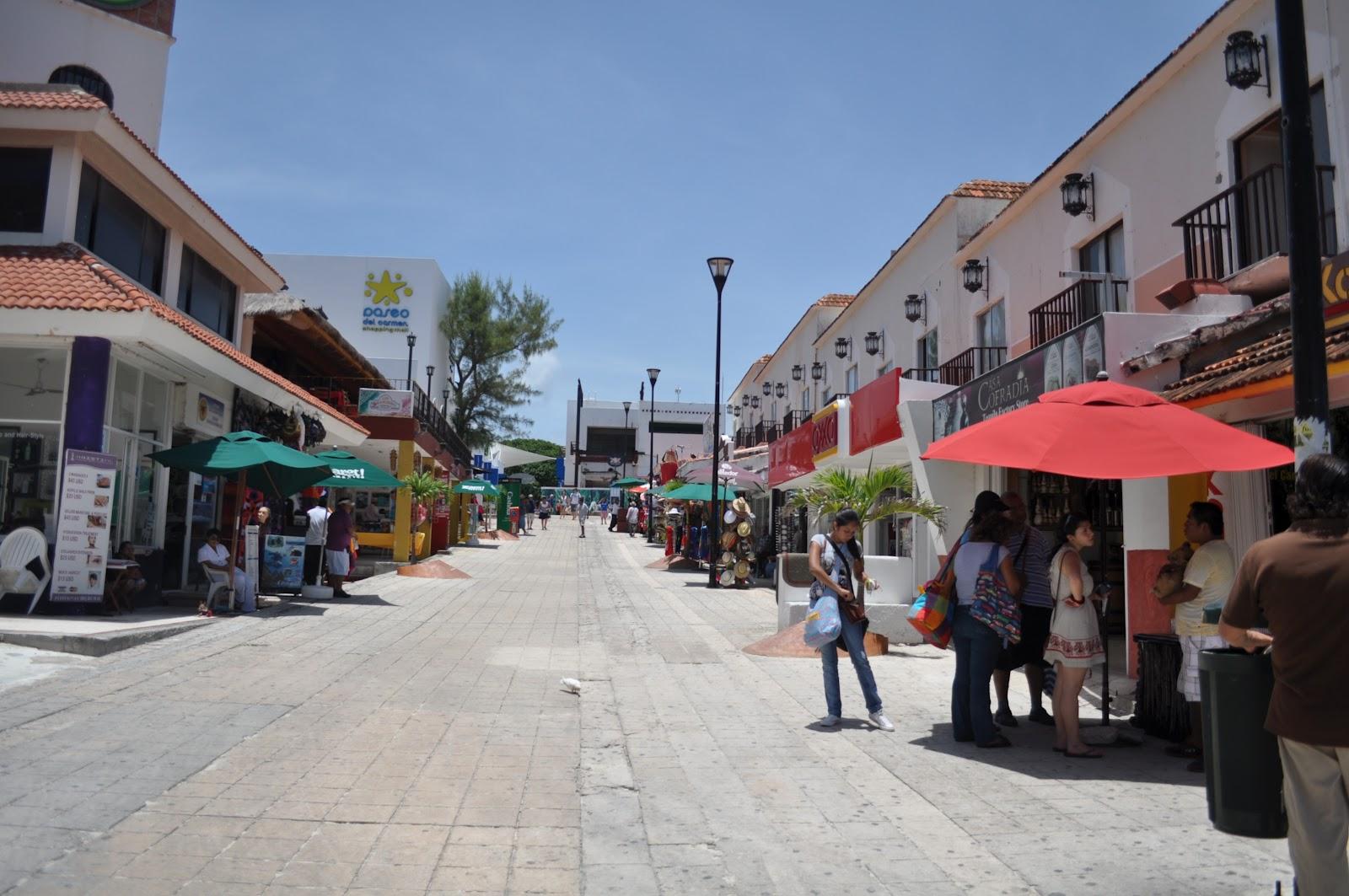 18. Paseo del Carmen