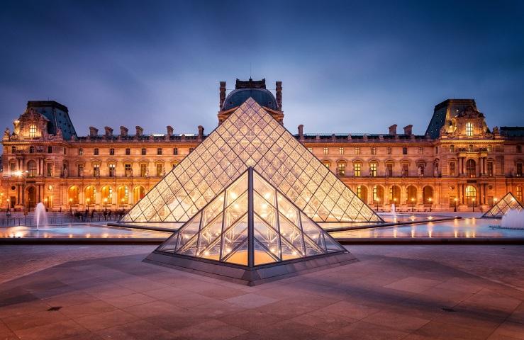 2. Louvre