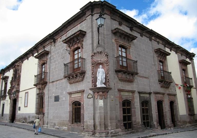 6. Casa de Allende