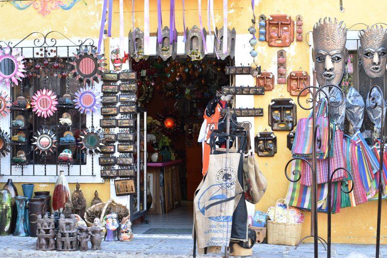 8. Mercado de Artesanías