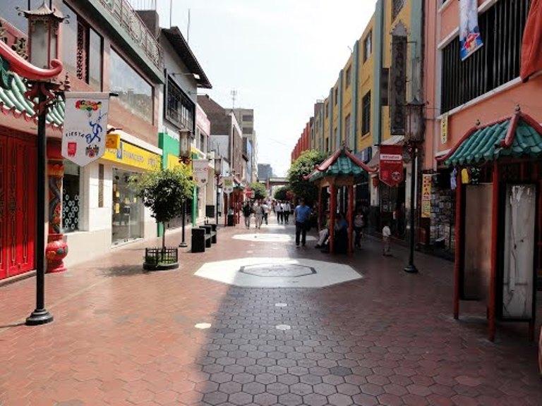 20. Barrio Chino, Lima