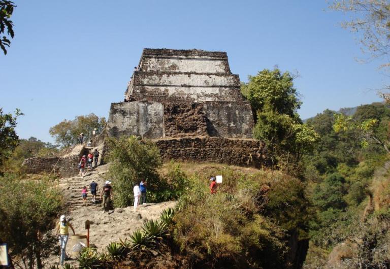 3. Sube a La Pirámide de El Tepozteco