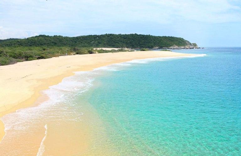 4. Bahía Cacaluta