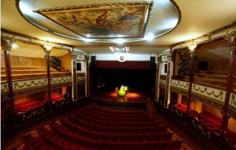 6. Teatro Juárez