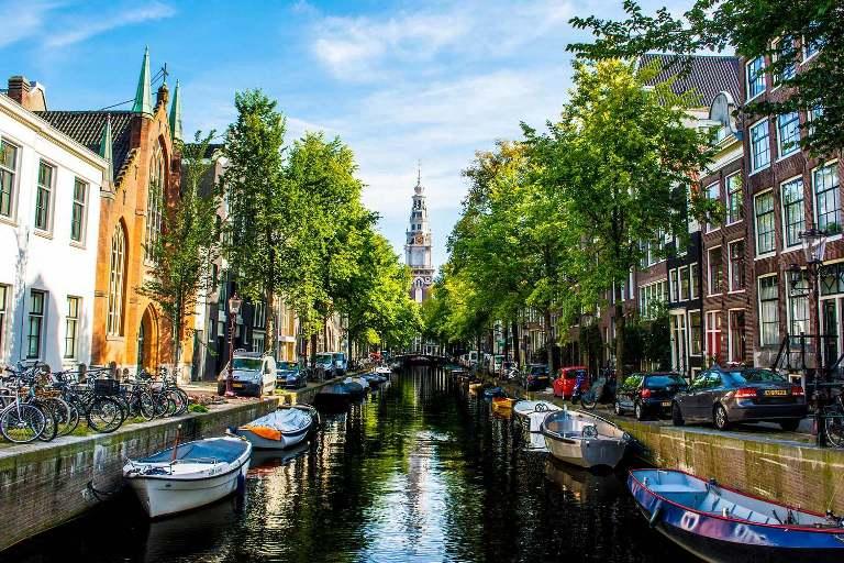 1. Canales de Ámsterdam