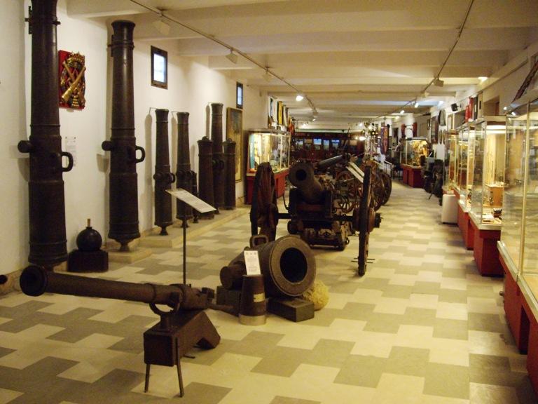 15. Museo Histórico Militar de Sevilla