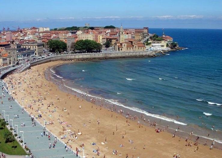 15. Playa de San Lorenzo