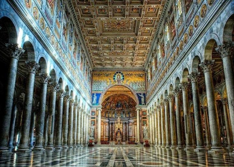 19. Basílica de San Juan y San Pablo
