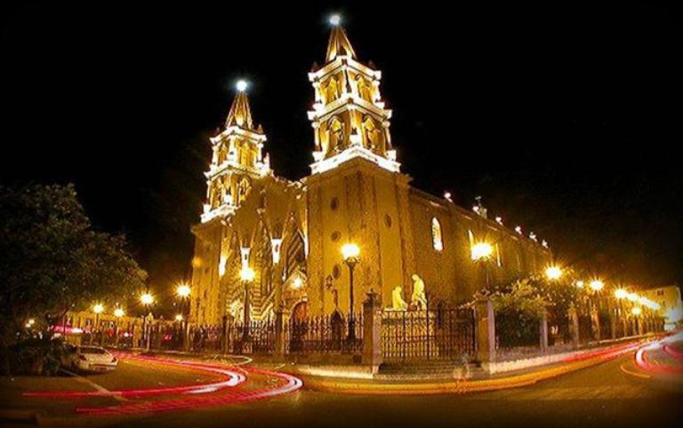 2. Catedral Basílica de Mazatlán