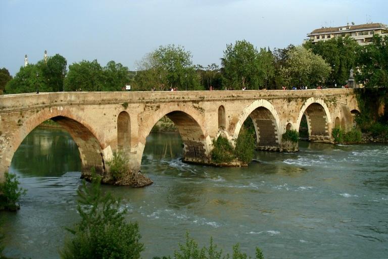 45. Puente Milvio