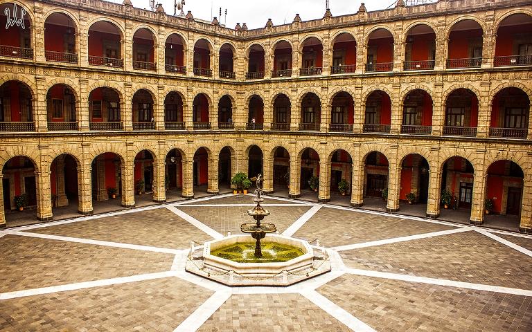 5. Antiguo Colegio de San Ildefonso