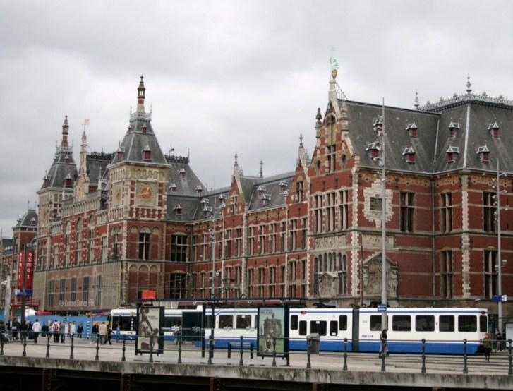 5. Estación Central de Ámsterdam