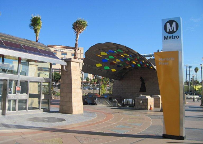 83. Plaza Mariachi