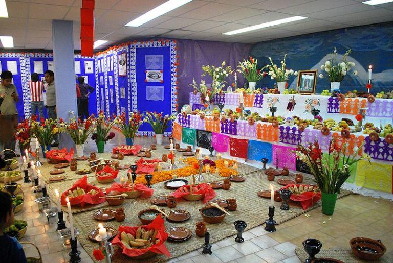 84) Ofrendas de Día de Muertos de Mixquic