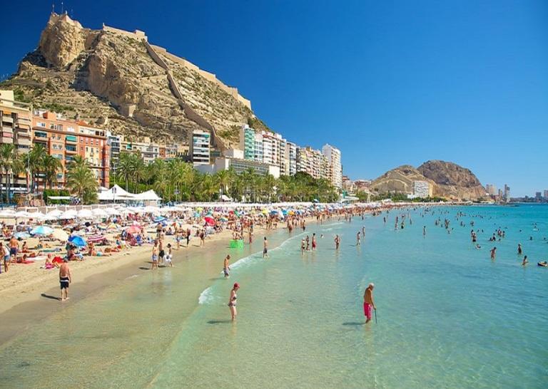 9. Postiguet, Alicante