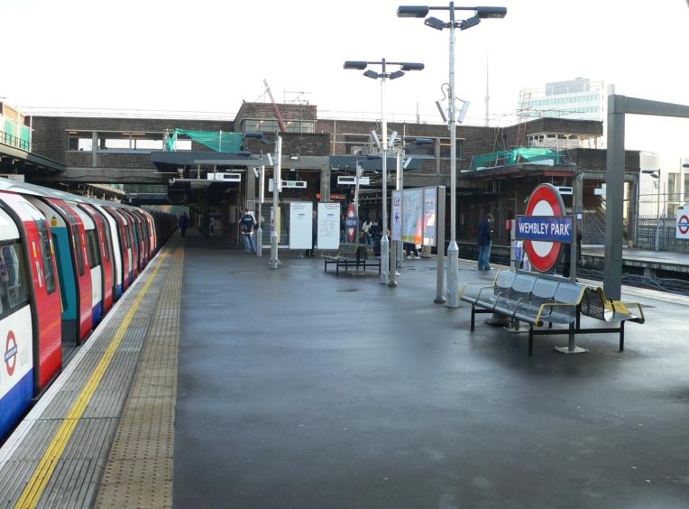 16. ¿Puedo ir en metro a Wimbledon, a Wembley y a Ascot