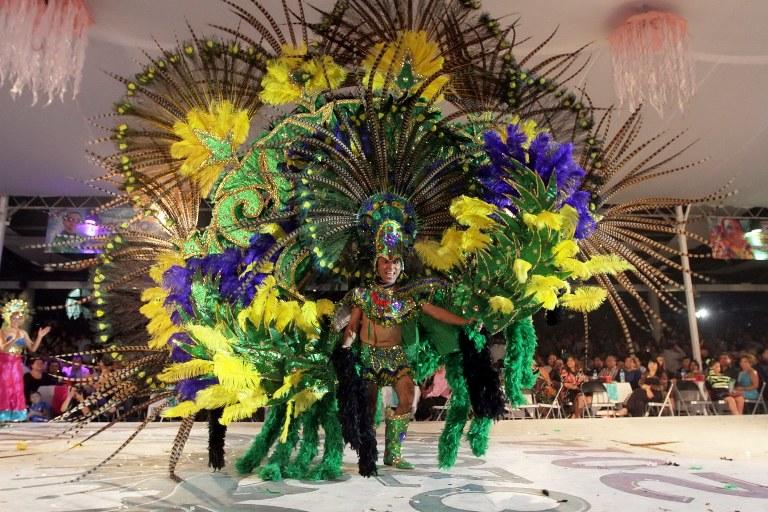 2. Disfruta del Carnaval de Cozumel