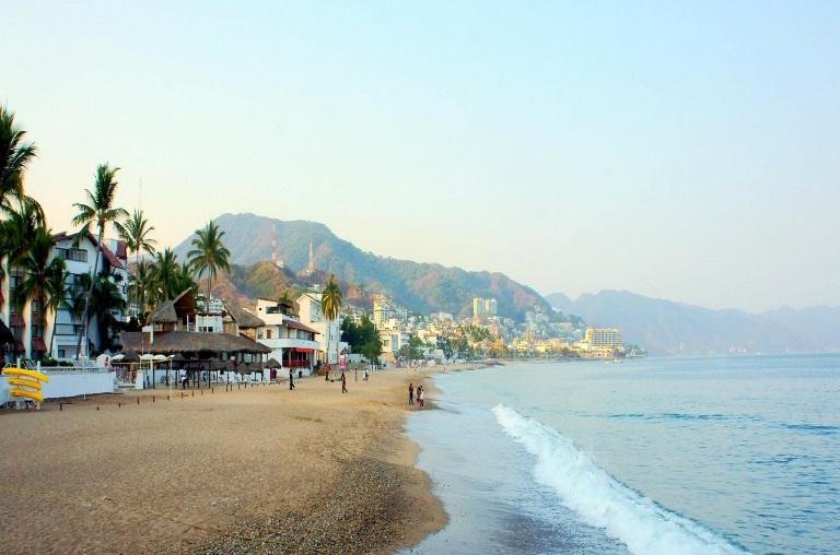 21. Playa Camarones