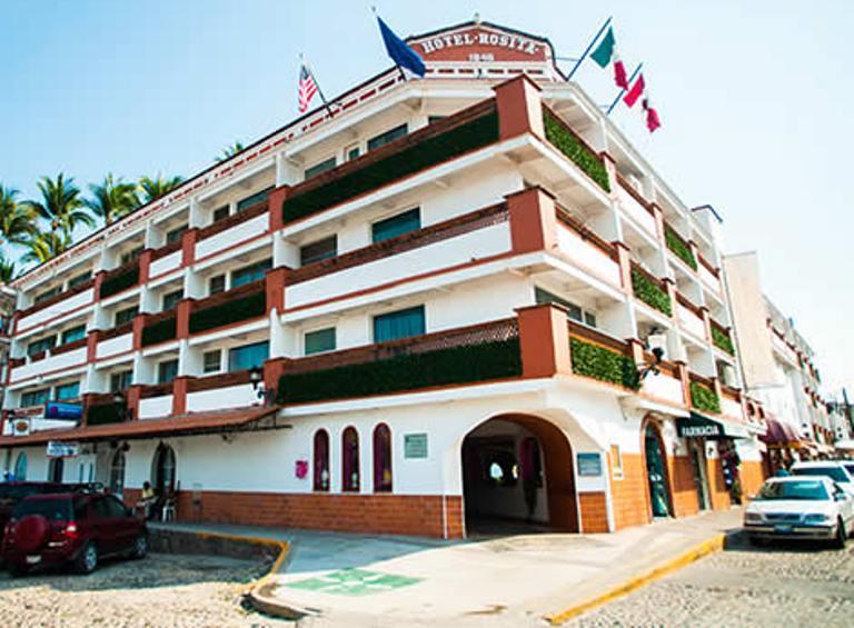 29. ¿Cuál fue el primer hotel construido en Puerto Vallarta
