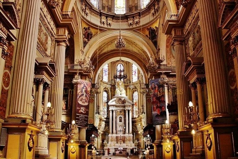 3. Basílica Catedral de la Madre Santísima de la Luz