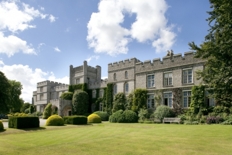 3. Es cierto que Edward James vivió en West Dean House