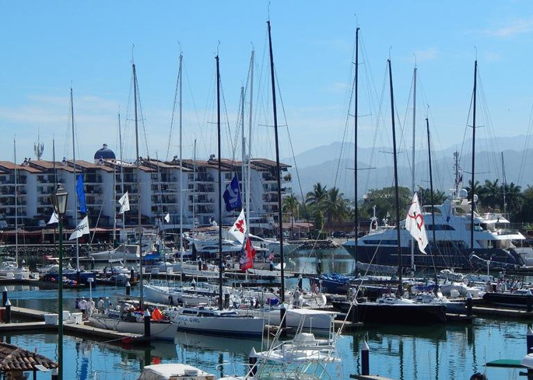 34. ¿Cuándo fue construida la Marina de Puerto Vallarta