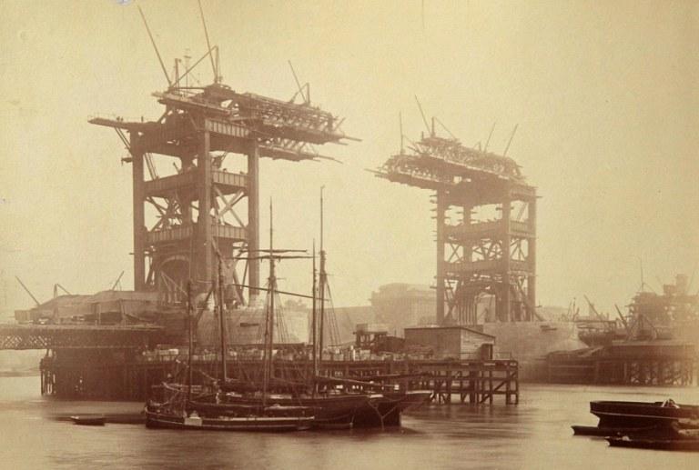 4. ¿Cuándo fue construido el Puente de la Torre