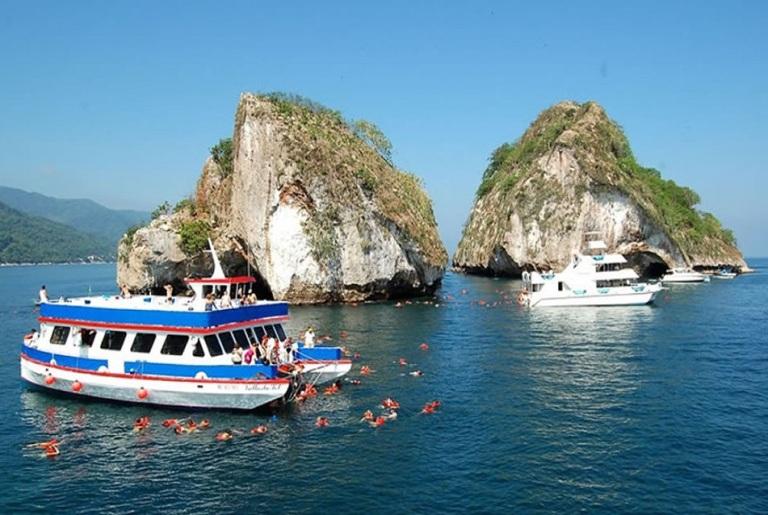 4. Islotes Los Arcos