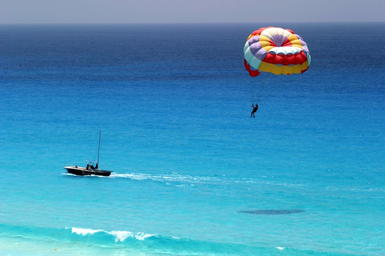 4. Lanzamiento paracaidas