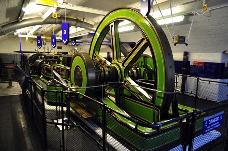 5. ¿Cómo levantaban unas levas tan pesadas a finales del siglo XIX