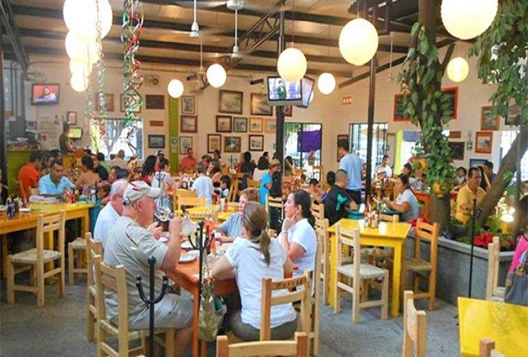 9. Restaurante 8 Tostadas