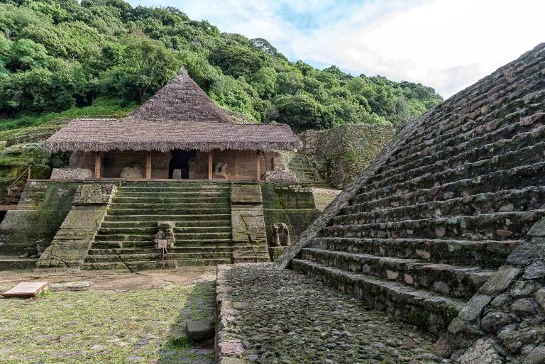 1-visita-el-sitio-arqueologico-del-cerro-de-los-idolos