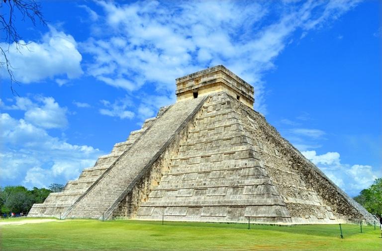 10-cual-es-el-principal-monumento-de-chichen-itza