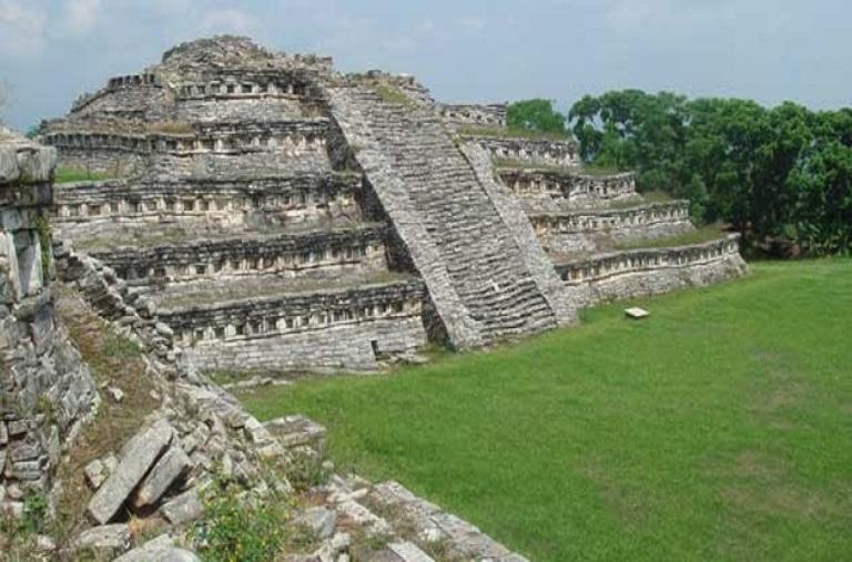 10-conoce-la-zona-arqueologica-de-yohualichan