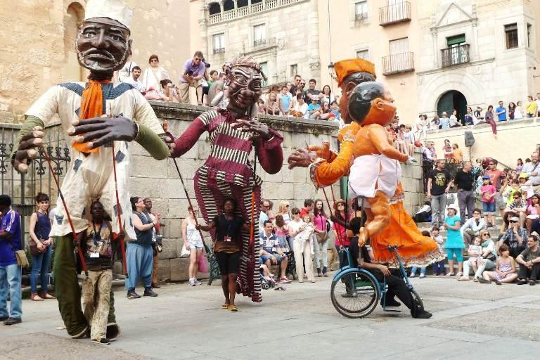 12-asiste-al-festival-cultural-de-malinalco