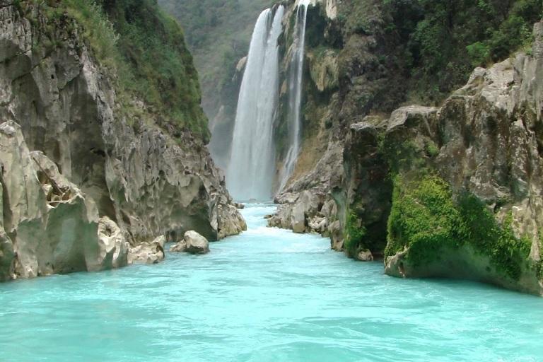 2. Visita sus cascadas