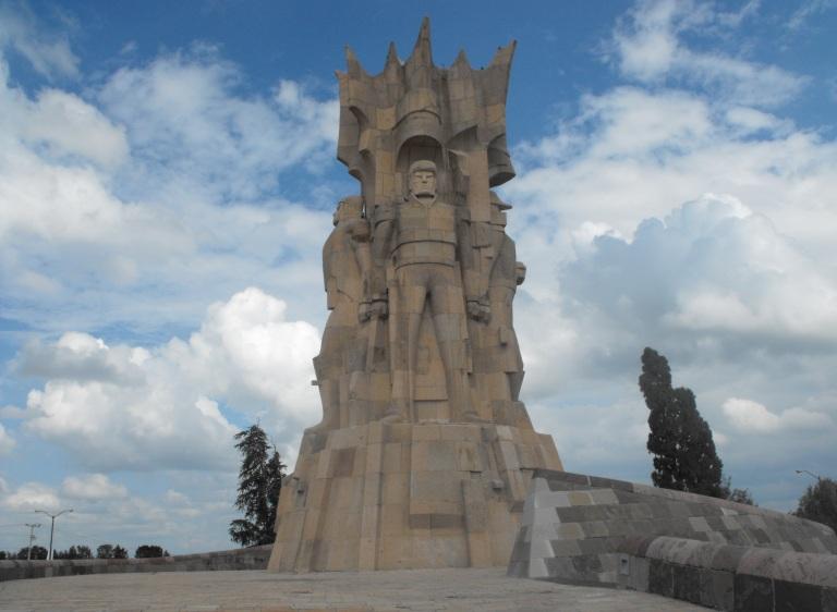 15-como-es-el-monumento-a-los-heroes-de-la-independencia