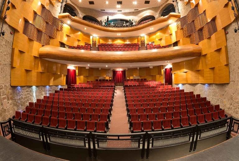 8-asiste-al-teatro-ocampo