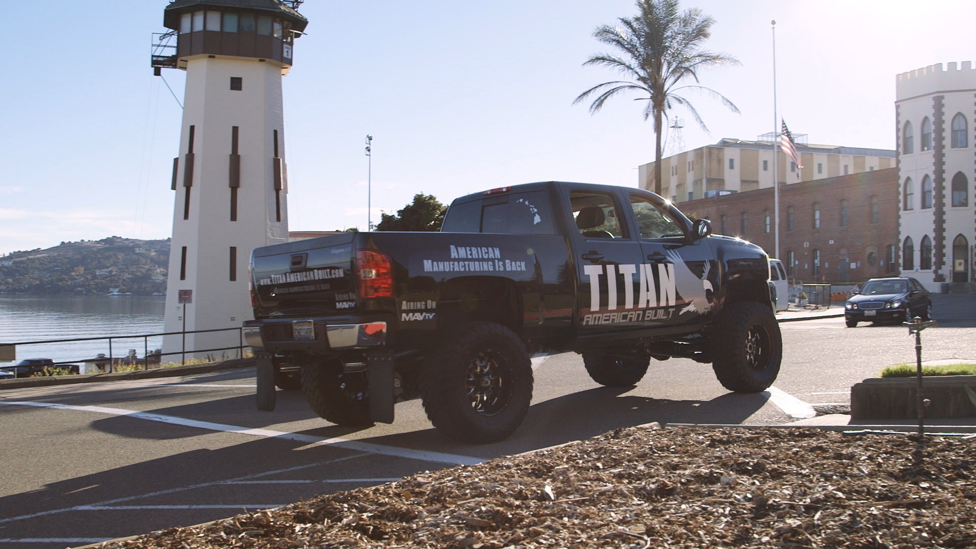 Titan goes back behind bars bringing hope to the inmates of San Quentin Prison and to the builders across the nation.
