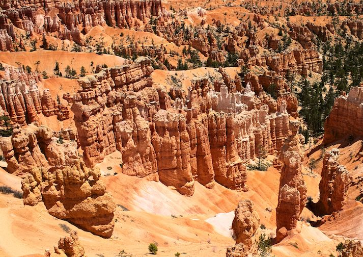 Fairyland Loop Trail in Bryce Canyon.