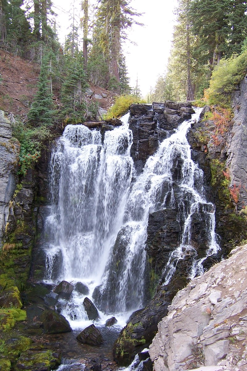 Kings Creek Falls Trail in Lassen Volcanic National Park