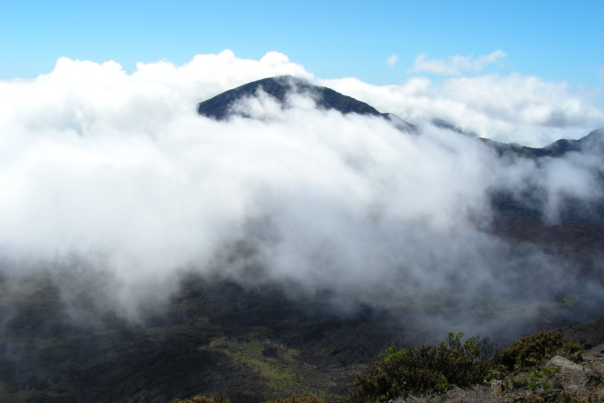 View from the Leleiwi Overlook Trail in Haleakala National Park.