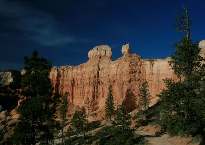 Hoodoos on the Peek-A-Boo Trail in Bryce Canyon.