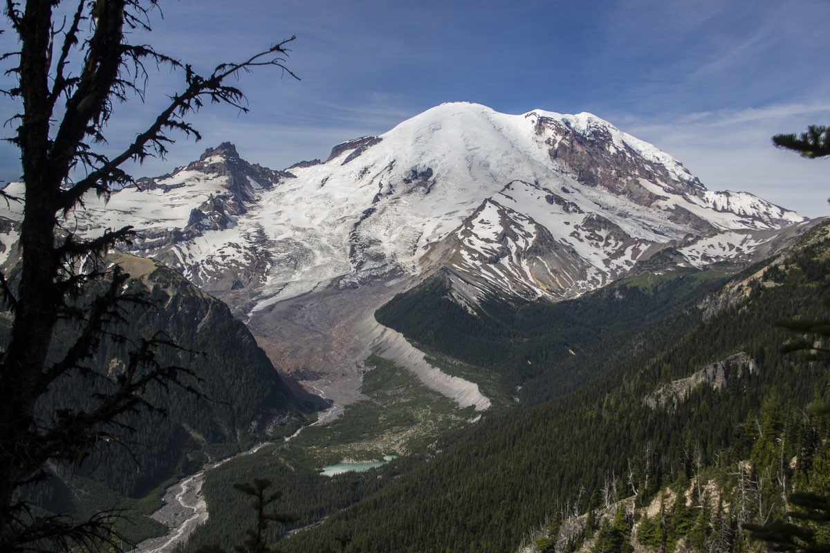 Mount Rainier and Emmons Glacier in MRNP.
