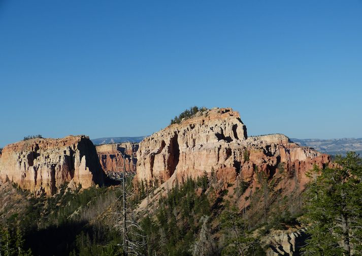 Hiking the Rim Trail in Bryce Canyon.