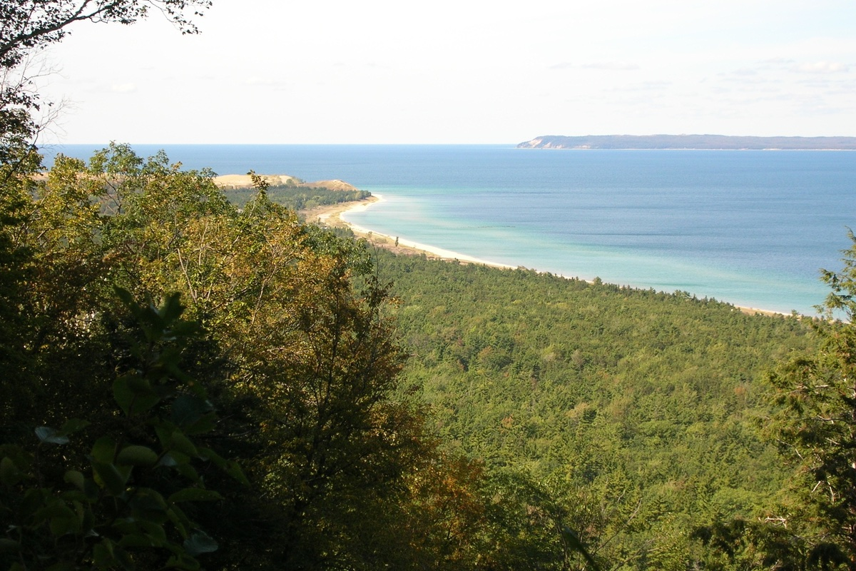 Sleeping Bear Bay from the Alligator Hill Trail.