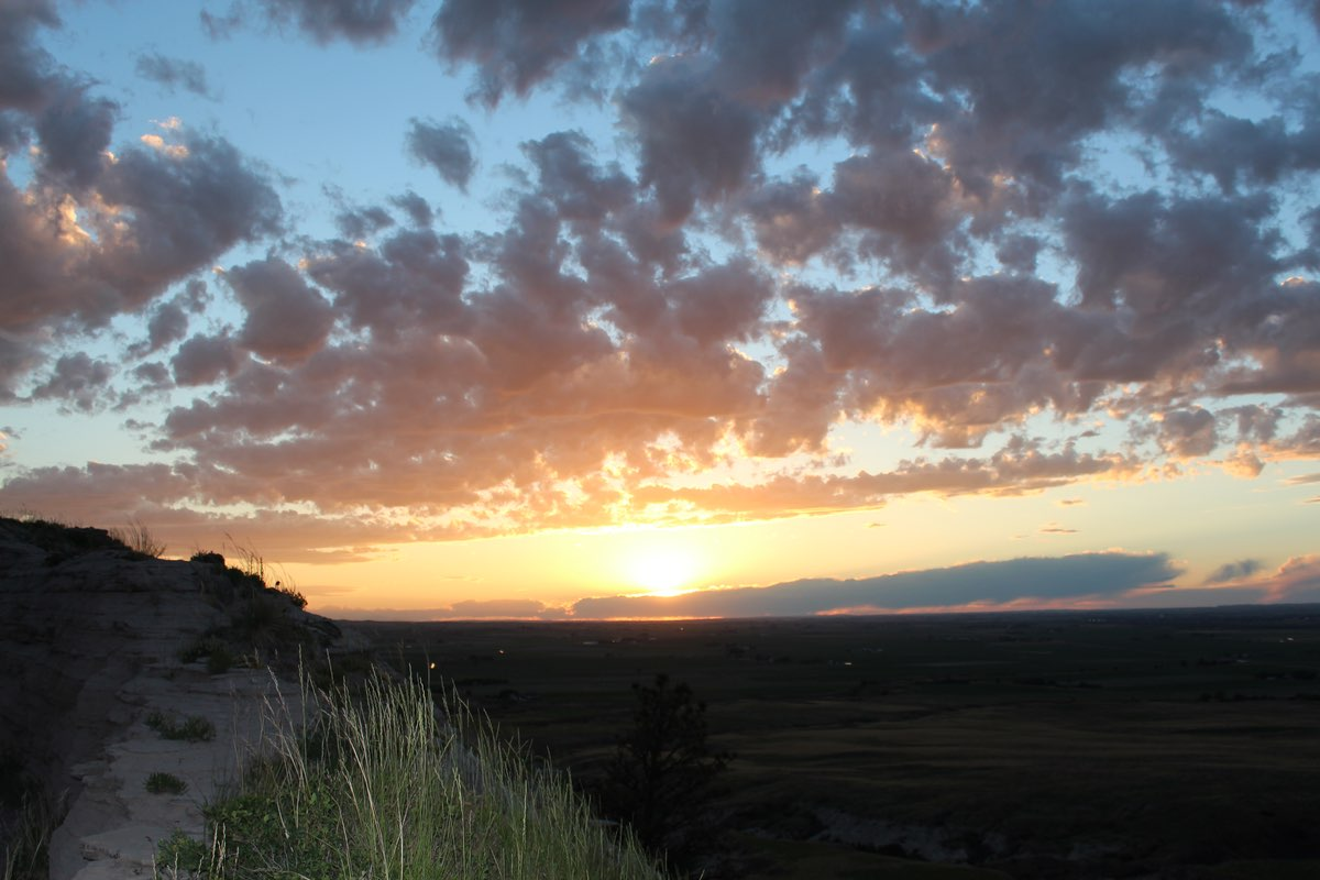 Sunset in Scotts Bluff National Monument.