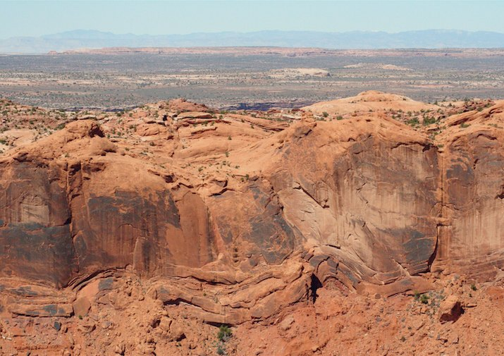 Along the Syncline Loop in Canyonlands National Park.